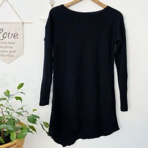 TAHARI || wool tunic